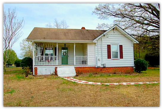 Asheboro NC Home For Sale | 245 Chaney Rd | Front View | Waynette Araj | Asheboro NC Realtor