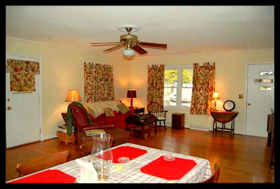 Asheboro NC Home for Sale - 704 Colony Rd - Dining Room | Waynette Araj | Asheboro NC Realtor