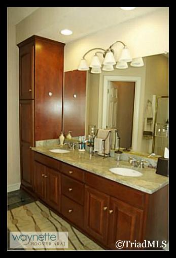 Randleman NC Home for Sale | 2968 Kamerin St | Master Bathroom